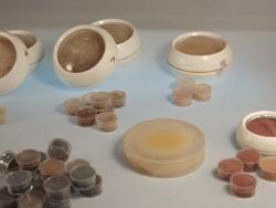 Mineralkosmetik im Vergleich: Mineral Kosmetik gibt es in vielen Farbnuancen