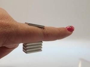 Enorme Haftkraft bei kleinen Magnetplättchen