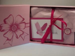Glossybox Valentins-Edition Unpacking