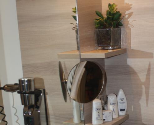 Kosmetikspiegel als Standspiegel oder Spiegel für Wandmontage
