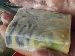 Schaumbildung der Zitronengrasseife