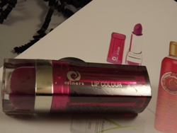 Miners Cosmetic Lip 25 Colour Icon aus Glossybox ausgepackt