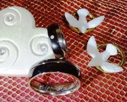 Als Paar wunderschöne Hochzeitsmode finden