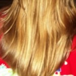 Langes Haar durch Haarverlängerung