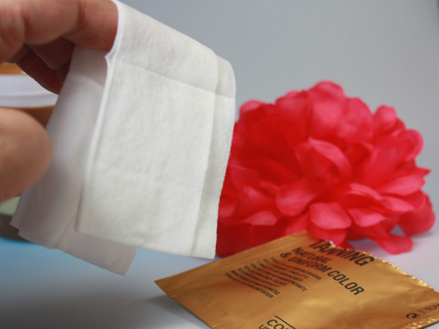 Comodynes Self Tanning Towel