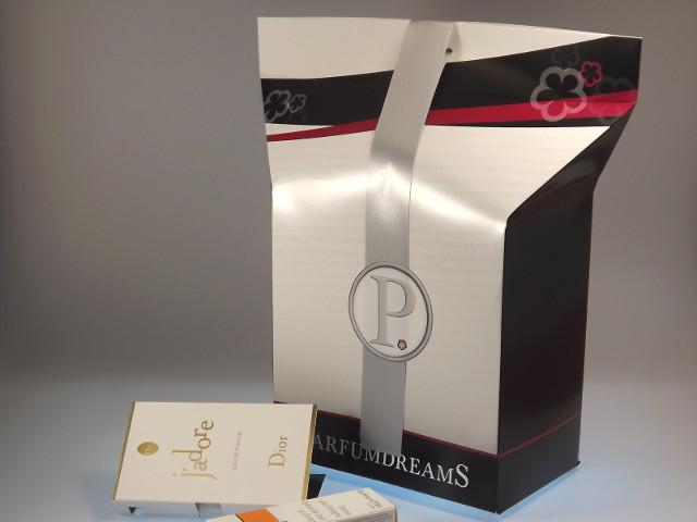 Parfüm von Parfumdreams als Geschenk verpackt