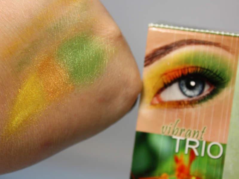 bellapierre vibrant TRIO Swatch