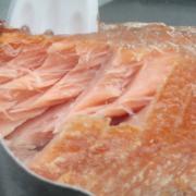 Lachs enthält Niacin in hoher Menge